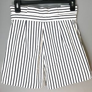 Zara Shorts - Zara Trafaluc white w/black stripes shorts